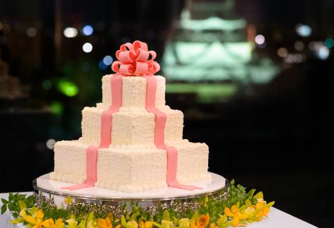 生ウェディングケーキ